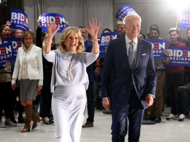 Phu nhân 70 tuổi của ông Joe Biden có gu thời trang thanh lịch - hình ảnh 6