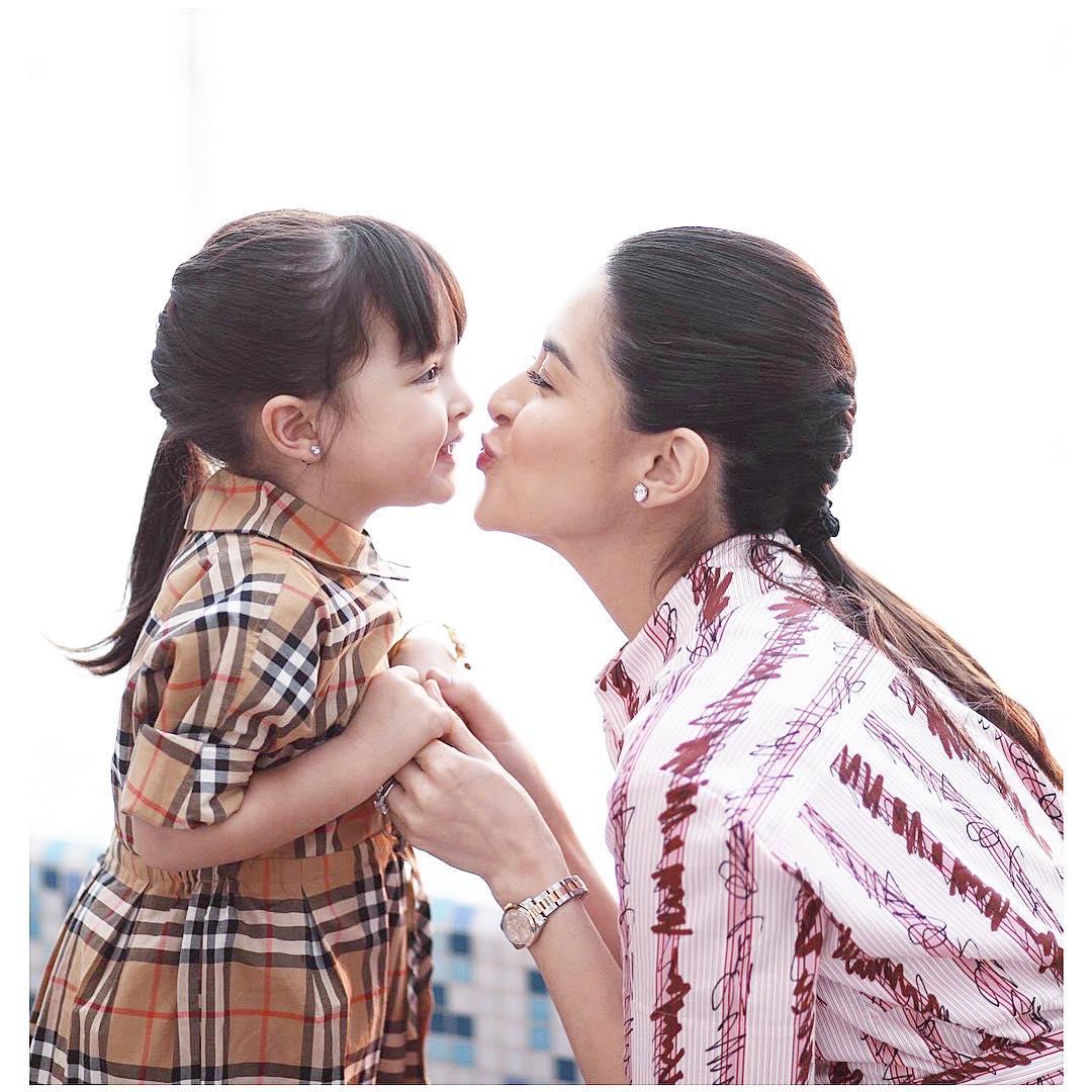 """""""Người phụ nữ đẹp nhất Philippines"""" từ nhỏ đã xinh xắn, con gái giống mẹ là tiểu mỹ nhân - hình ảnh 7"""