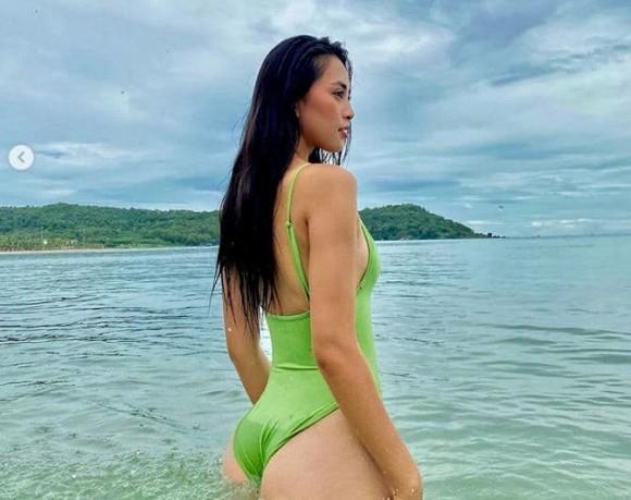 """Hoa hậu """"đẹp nhất Việt Nam"""" bị soi bàn tay """"hư"""" - hình ảnh 3"""