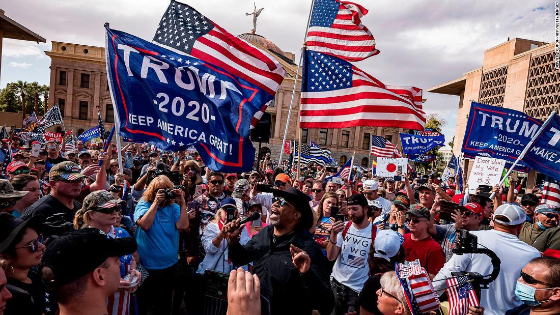 Người ủng hộ trên khắp nước Mỹ vẫn tin ông Trump chiến thắng