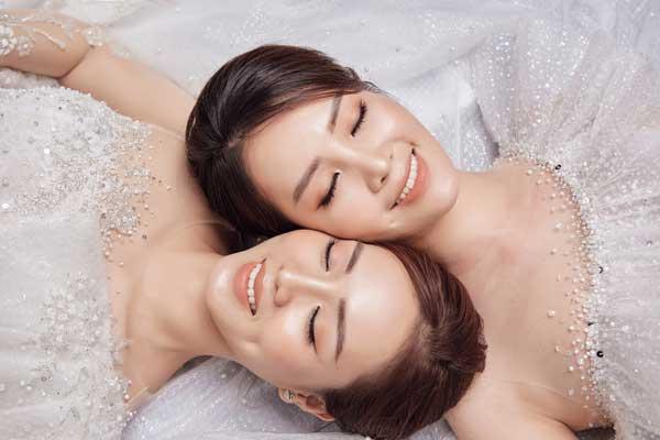 Á hậu Thụy Vân và bạn gái nghệ sĩ Công Lý lộng lẫy trong váy cưới - hình ảnh 10