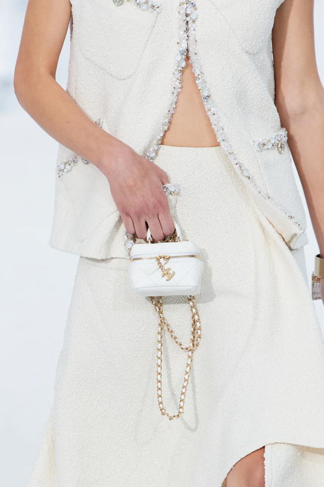Những chiếc túi tí hon hứa hẹn vạn người mê của Chanel - hình ảnh 13