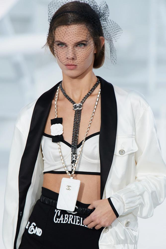 Những chiếc túi tí hon hứa hẹn vạn người mê của Chanel - hình ảnh 12