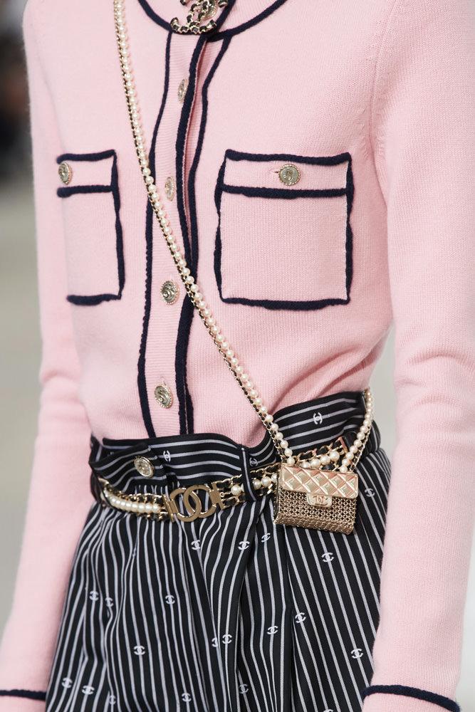 Những chiếc túi tí hon hứa hẹn vạn người mê của Chanel - hình ảnh 16