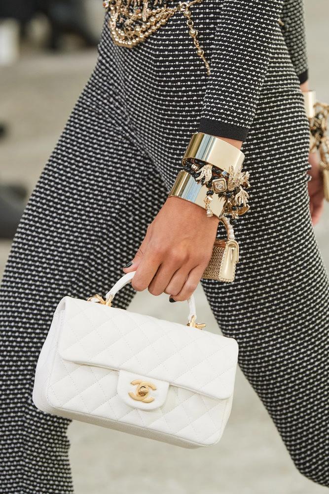 Những chiếc túi tí hon hứa hẹn vạn người mê của Chanel - hình ảnh 18