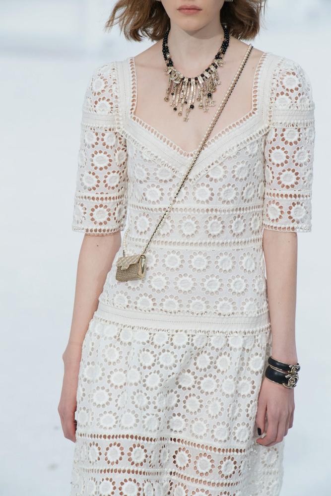 Những chiếc túi tí hon hứa hẹn vạn người mê của Chanel - hình ảnh 5