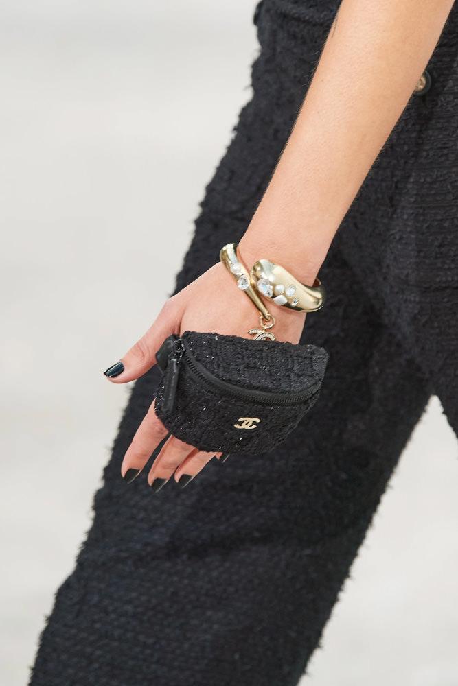 Những chiếc túi tí hon hứa hẹn vạn người mê của Chanel - hình ảnh 6