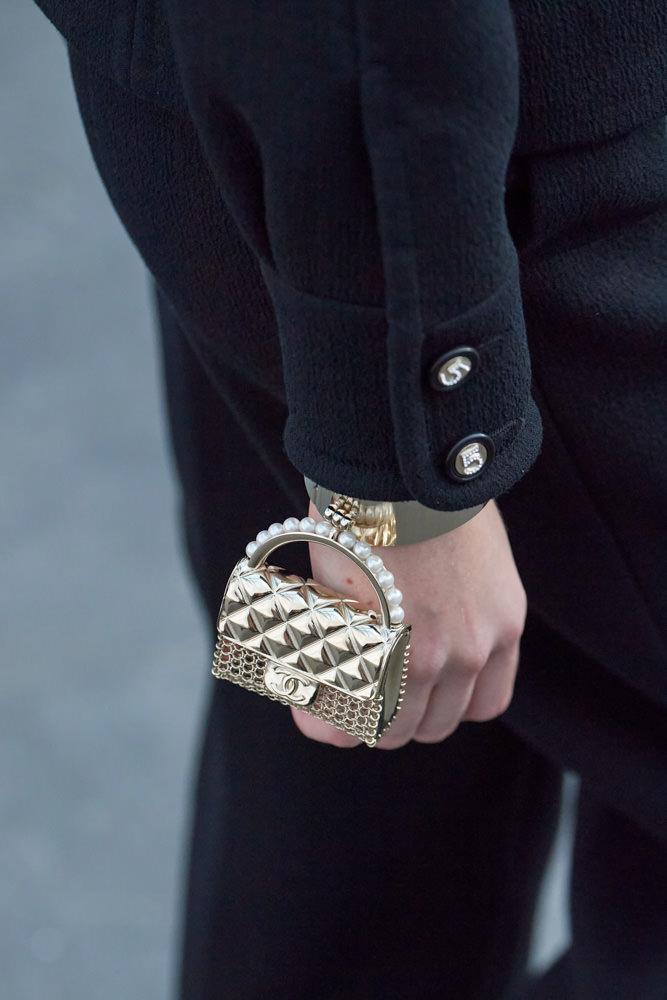 Những chiếc túi tí hon hứa hẹn vạn người mê của Chanel - hình ảnh 9
