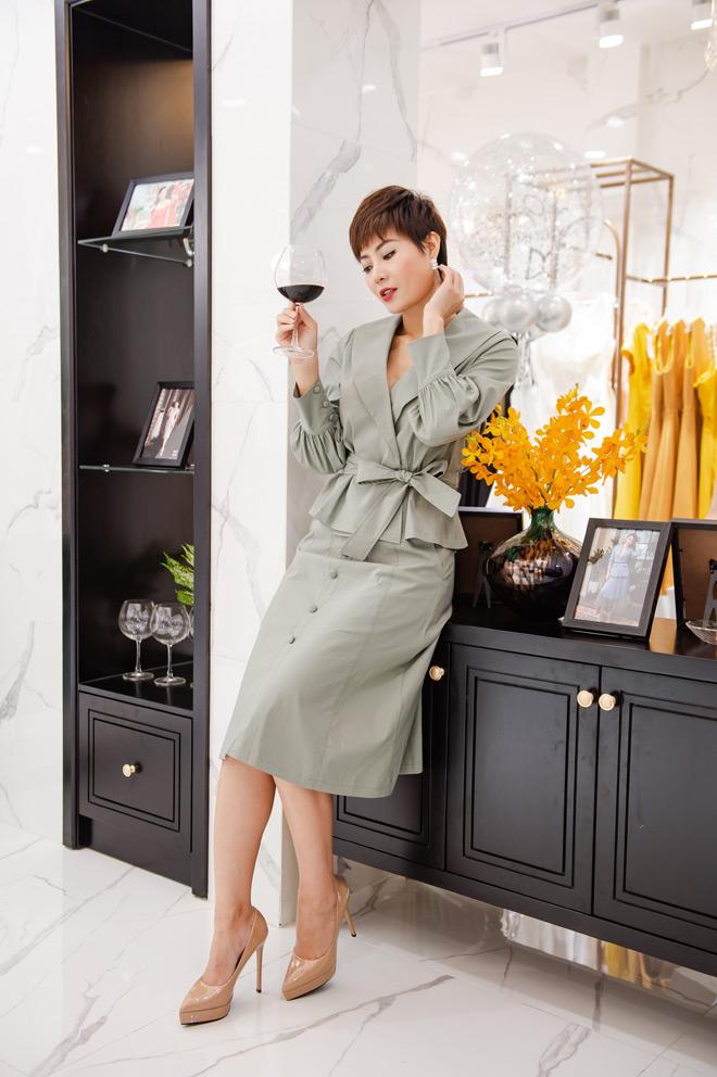"""Hoa hậu """"ngoan nhất showbiz Việt"""" đọ sắc cùng dàn mỹ nhân nổi tiếng - 10"""