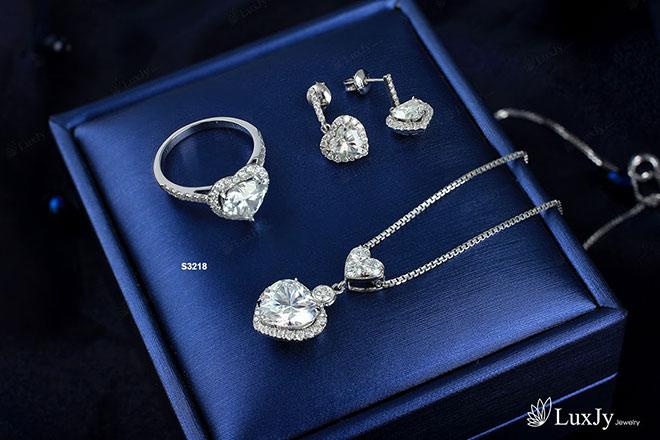 """Đổ bệnh vì quay phim """"Trói Buộc Yêu Thương"""", Lan Phương được chồng Tây tặng nhẫn kim cương - 5"""