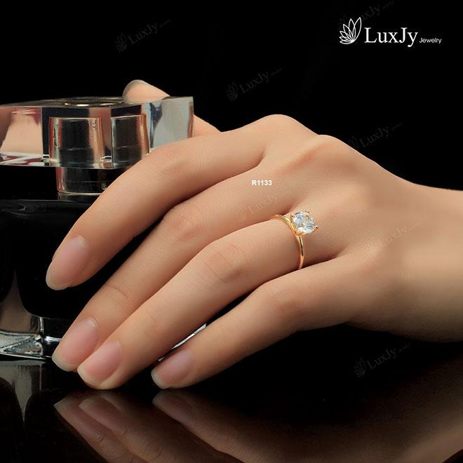 """Đổ bệnh vì quay phim """"Trói Buộc Yêu Thương"""", Lan Phương được chồng Tây tặng nhẫn kim cương - 7"""