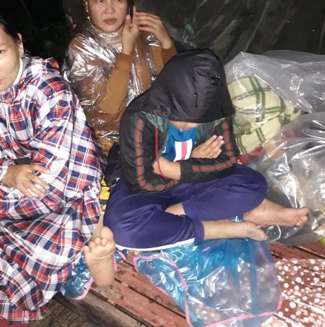 Nước ngập lút nóc nhà, dân tháo chạy lên rừng lúc nửa đêm - hình ảnh 5
