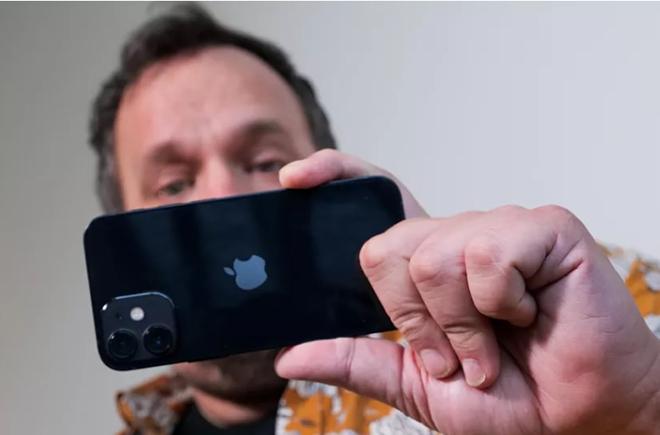 Đây là chiếc smartphone nhỏ nhất và mạnh mẽ nhất từ trước đến nay - 11