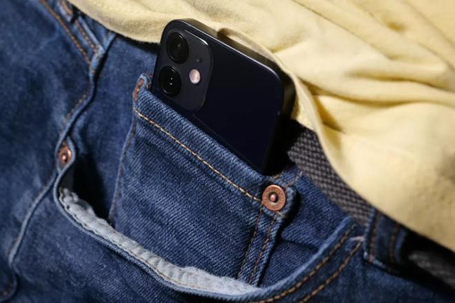 Đây là chiếc smartphone nhỏ nhất và mạnh mẽ nhất từ trước đến nay - 3