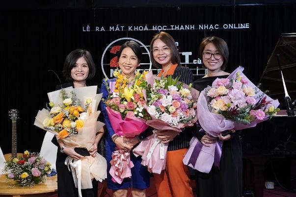 Diva Mỹ Linh giờ ra sao sau tuyên bố liveshow cuối cùng trong sự nghiệp? - hình ảnh 1