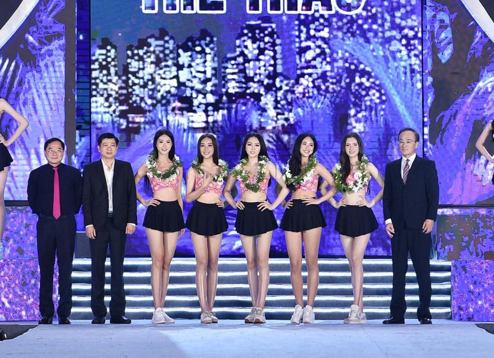Cận cảnh top 35 Hoa hậu Việt Nam khoe body thật căng tràn với bikini - hình ảnh 1