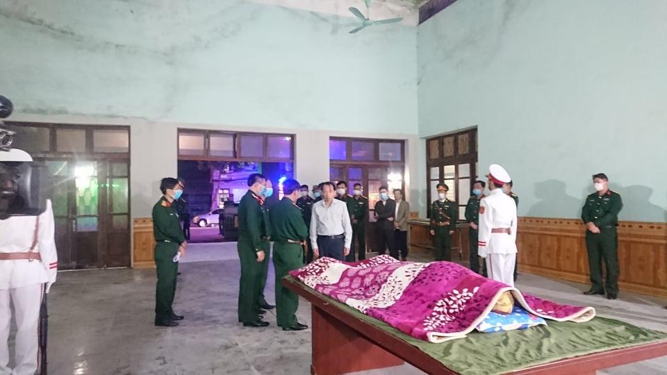 2 chiến sĩ công binh thương vong khi rà phá bom mìn ở Hà Giang - hình ảnh 1
