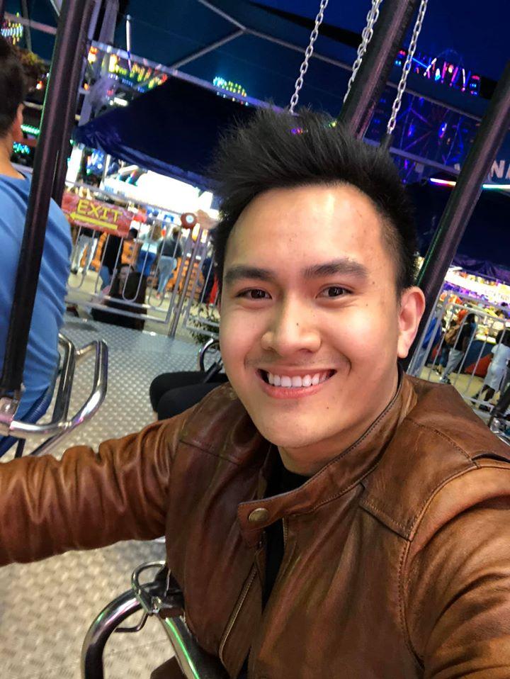 Con trai ruột Hoài Linh đăng ảnh cùng cha từ năm 15 tuổi, dung mạo khác biệt - hình ảnh 6