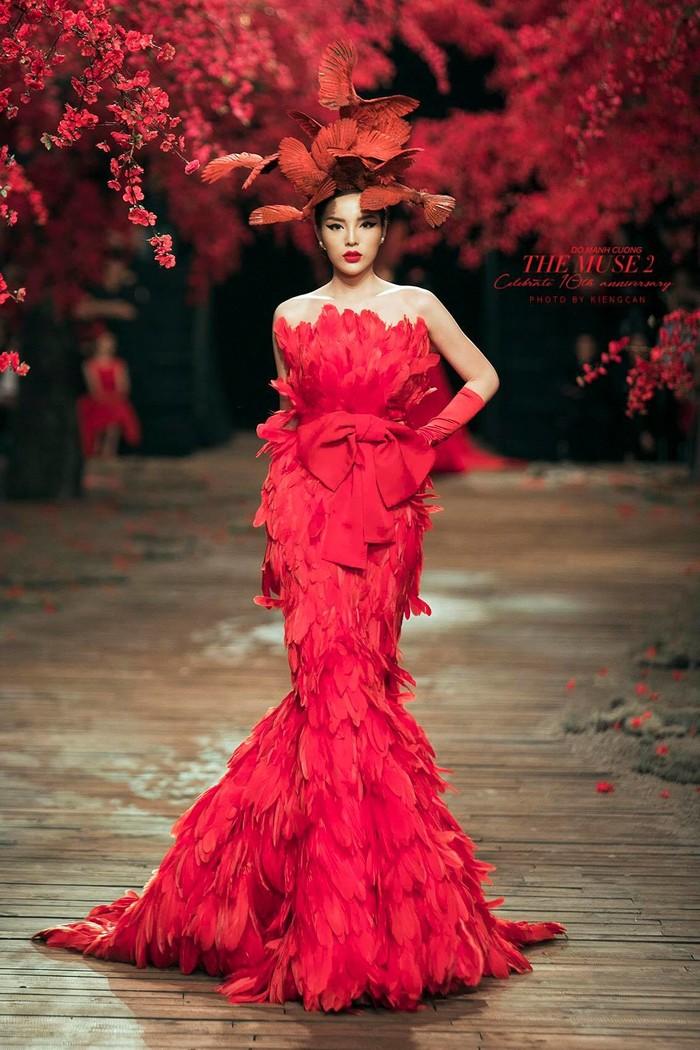 """Gương mặt, vòng 1 thay đổi """"chóng mặt"""" của Hoa hậu Kỳ Duyên sau 6 năm đăng quang - hình ảnh 17"""