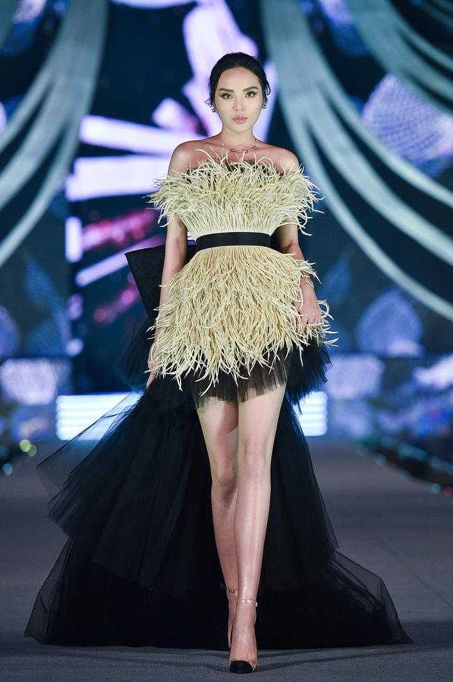 """Gương mặt, vòng 1 thay đổi """"chóng mặt"""" của Hoa hậu Kỳ Duyên sau 6 năm đăng quang - hình ảnh 22"""