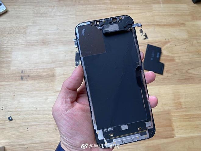 Lần đầu tháo rời iPhone 12 Pro Max, bất ngờ về dung lượng pin - 1