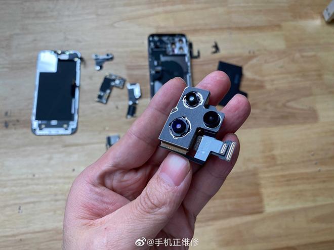 Lần đầu tháo rời iPhone 12 Pro Max, bất ngờ về dung lượng pin - 2