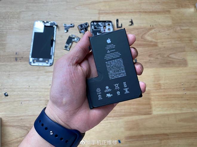 Lần đầu tháo rời iPhone 12 Pro Max, bất ngờ về dung lượng pin - 3