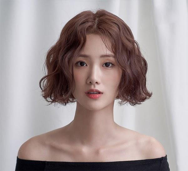 Những kiểu tóc uốn đẹp mà không bị già được yêu thích nhất năm 2020 - hình ảnh 3