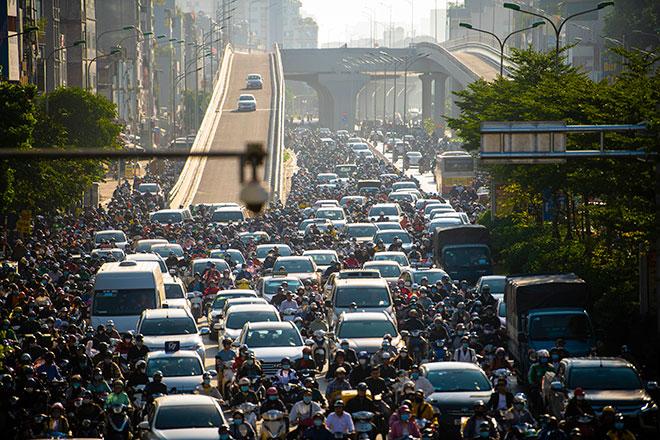 Thông xe đường vành đai 2 trên cao, Ngã Tư Sở ùn tắc kinh hoàng: Hà Nội đã có giải pháp xử lý - 1