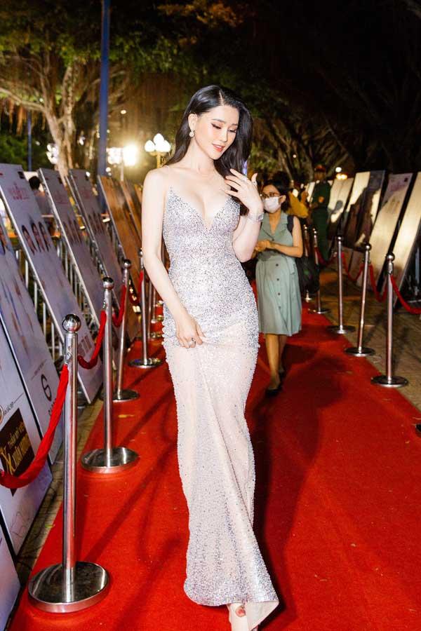 Á hậu Thái Như Ngọc xinh đẹp, tươi trẻ trong đêm thi bikini của Hoa hậu Việt Nam - hình ảnh 2