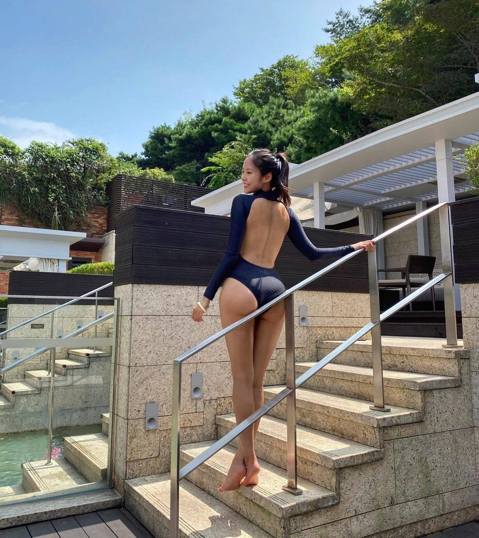 Cô gái gây sốt khi mặc quần nude chơi golf hóa ra là người mẫu có body hoàn mỹ - hình ảnh 3
