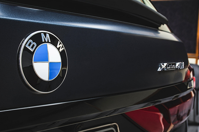 Soi chi tiết BMW X7 phiên bản Dark Shadow 500 chiếc trên toàn cầu - 6