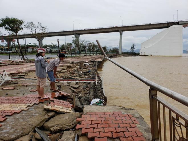 Bão số 13 gây thiệt hại nặng khu vực ven biển - 1