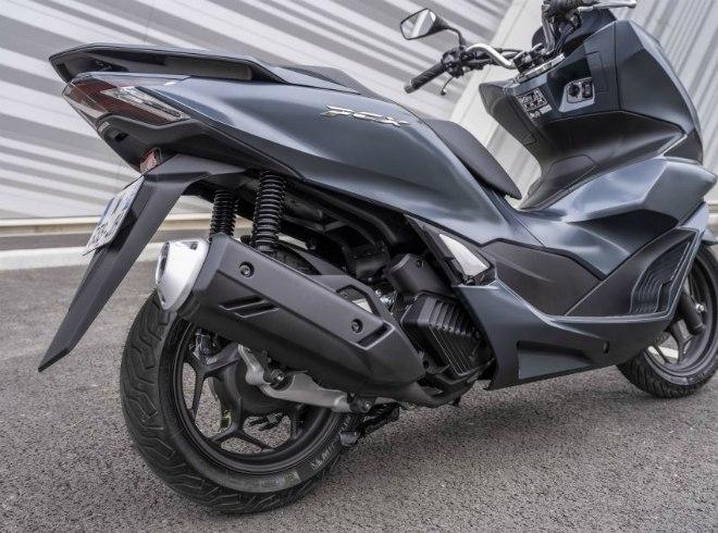 Cận cảnh 2021 Honda PCX 125 động cơ mới, nhiều công nghệ cao - 14