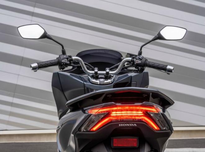 Cận cảnh 2021 Honda PCX 125 động cơ mới, nhiều công nghệ cao - 16