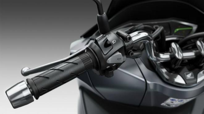 Cận cảnh 2021 Honda PCX 125 động cơ mới, nhiều công nghệ cao - 9