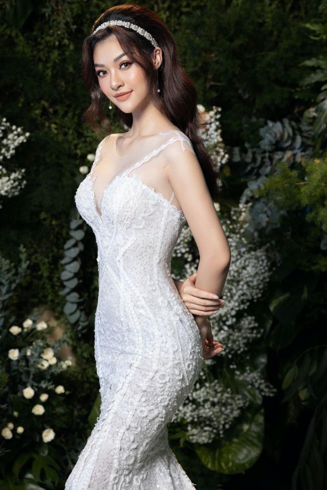 Lương Thuỳ Linh – Kiều Loan kiêu sa trong váy cưới - hình ảnh 1