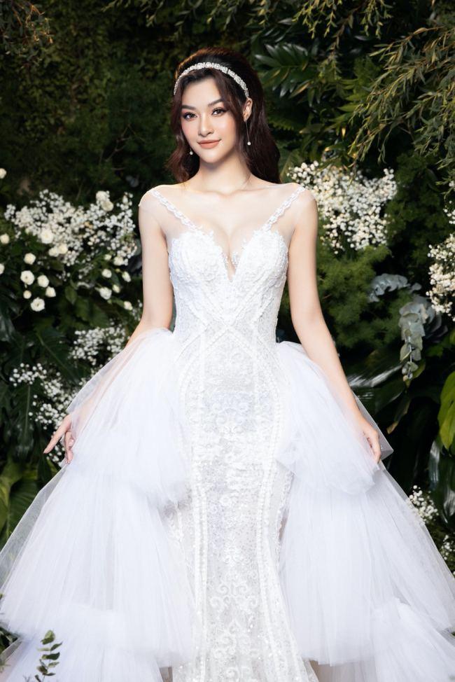 Lương Thuỳ Linh – Kiều Loan kiêu sa trong váy cưới - hình ảnh 2