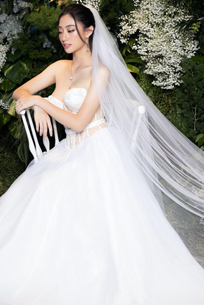 Lương Thuỳ Linh – Kiều Loan kiêu sa trong váy cưới - hình ảnh 7