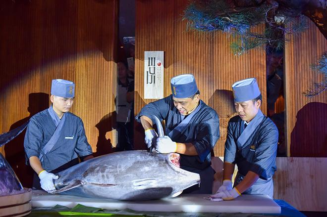 Mãn nhãn khi xem mổ cá ngừ vây xanh đại dương trên 100kg tại Wabi Premium - 3