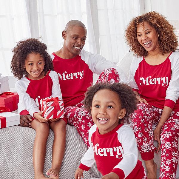 7 gợi ý pyjama Giáng sinh xinh xắn, ấm cúng cho cả gia đình - hình ảnh 3