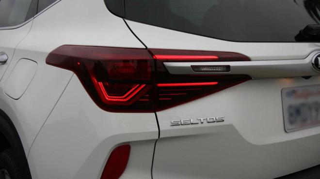 Đánh giá ưu nhược điểm của 2021 Kia Seltos SX Turbo - 14