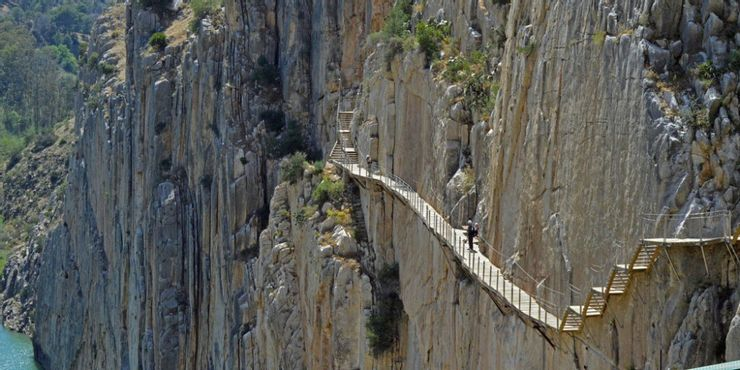 Những tour du lịch nguy hiểm nhất thế giới vẫn cuốn hút hàng triệu du khách - hình ảnh 10