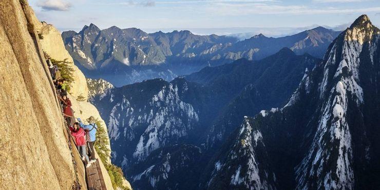 Những tour du lịch nguy hiểm nhất thế giới vẫn cuốn hút hàng triệu du khách - hình ảnh 4