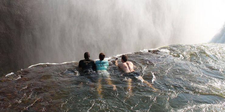 Những tour du lịch nguy hiểm nhất thế giới vẫn cuốn hút hàng triệu du khách - hình ảnh 5
