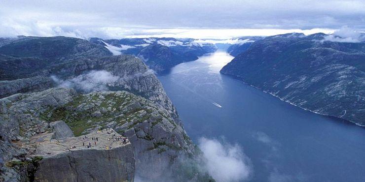 Những tour du lịch nguy hiểm nhất thế giới vẫn cuốn hút hàng triệu du khách - hình ảnh 7