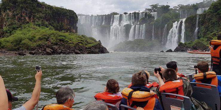 Những tour du lịch nguy hiểm nhất thế giới vẫn cuốn hút hàng triệu du khách - hình ảnh 8