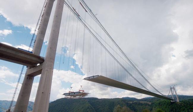 Du lịch - Những cây cầu nguy hiểm khiến mỗi bước chân đều run rẩy - 15