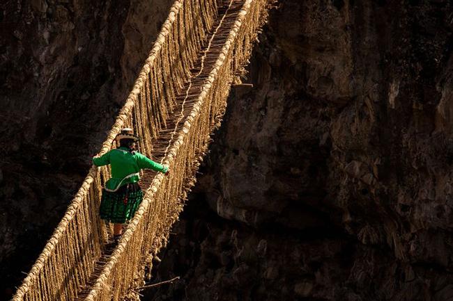 Du lịch - Những cây cầu nguy hiểm khiến mỗi bước chân đều run rẩy - 5