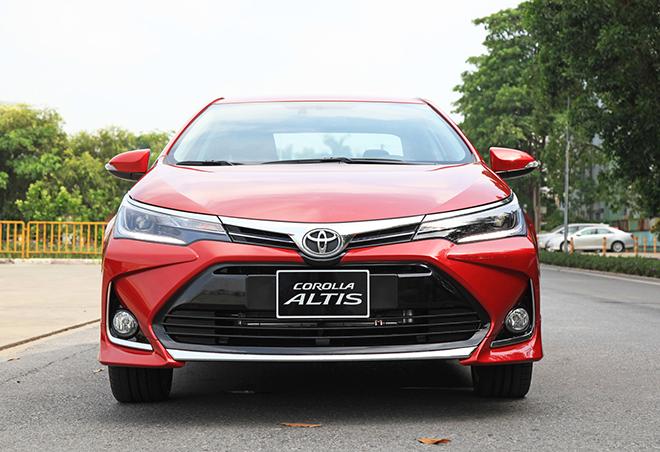 Bảng giá xe Toyota Corolla Altis lăn bánh tháng 11/2020 - 11